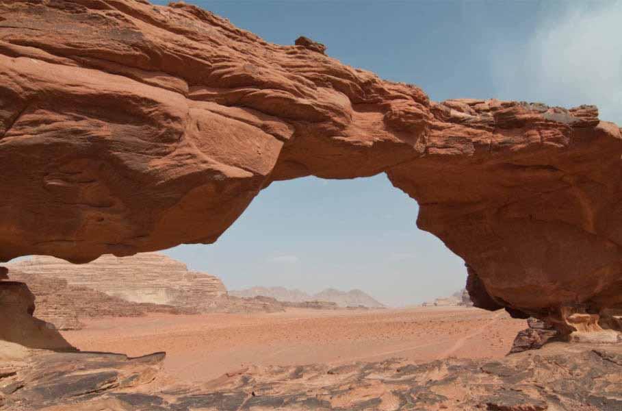 https://www.latiendadelaspegatinas.com/uploads/fotomurales-decorativos-ciudades-y-monumentos-FM-ciu-0011-desierto-de-jordania-BASE_43b54.jpg
