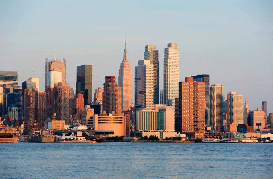 https://www.latiendadelaspegatinas.com/uploads/fotomurales-decorativos-new-york-FM-ny-0006-skyline-manhattan-BASE_92f10.jpg