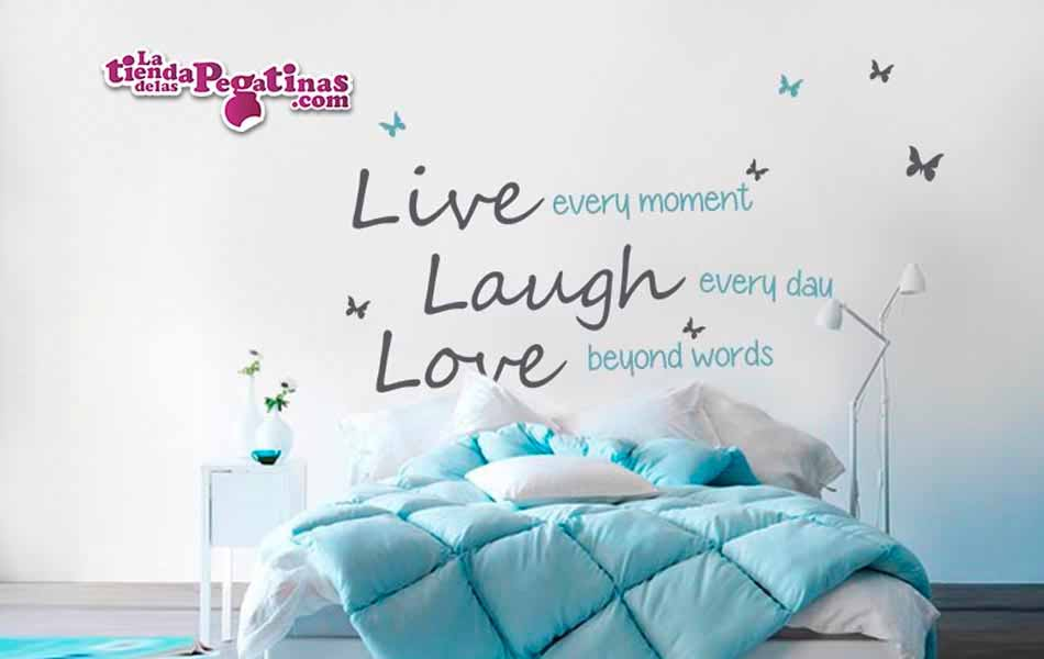 Vinilo decorativo live every moment la tienda de las for Pegatinas frases pared